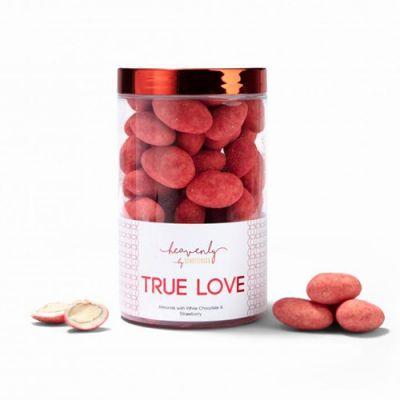 Bild av Mandelkulor med vit choklad & jordgubb - TRUE LOVE, 250 g