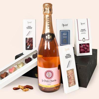 Bild av Presentlåda, Bubbel & choklad - LOVE, Rosa
