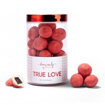 Bild av Lakritskulor med vit choklad & jordgubb - TRUE LOVE, 250 g