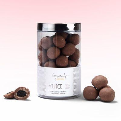 Bild av Saltlakrits med mjölkchoklad & havssalt - YUKI, 250 g