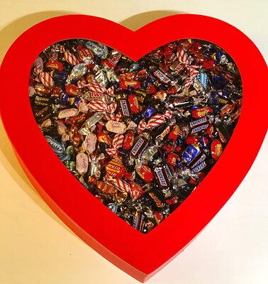 Bild av Gigantisk Hjärtask fylld med 6 kg choklad