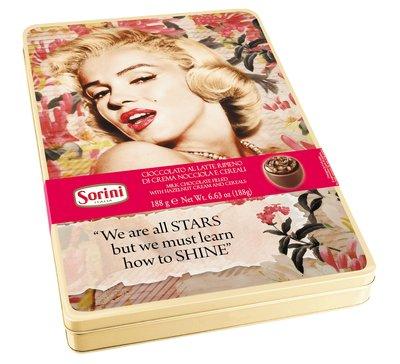 Bild av We are all stars - Chokladkulor med hasselnötskräm i metallask